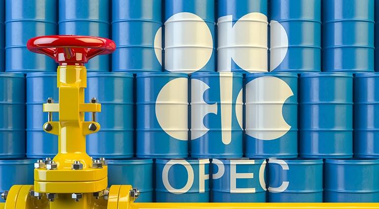 Öljyfutuurien hinta vuoden ajalta